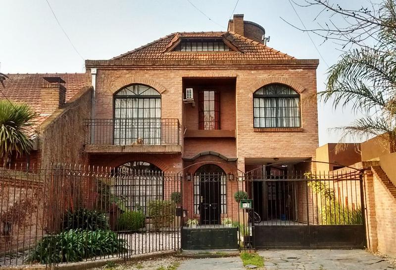 Foto Casa en Venta en  Ituzaingó,  Ituzaingó  Bagnat al 500