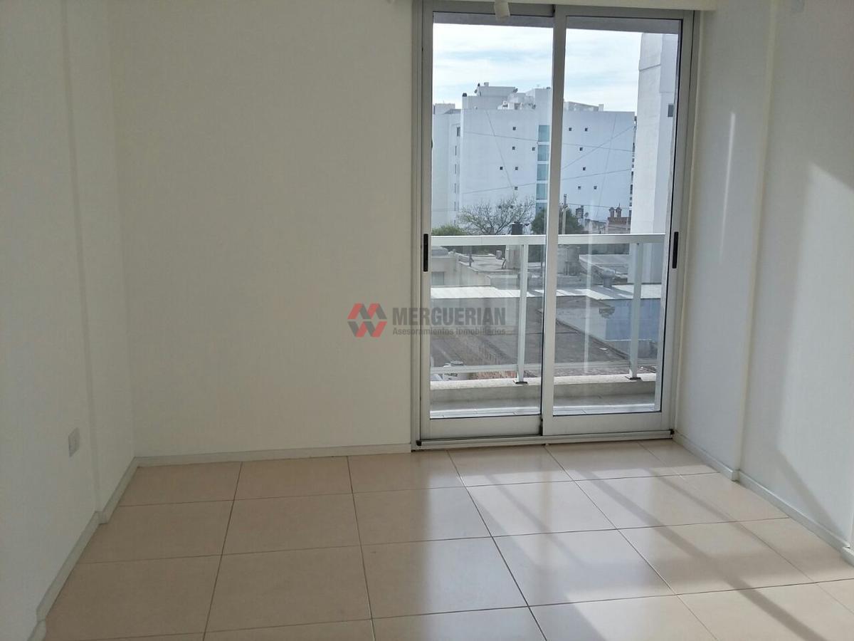 Foto Departamento en Alquiler en  General Paz,  Cordoba  VIAMONTE al 200