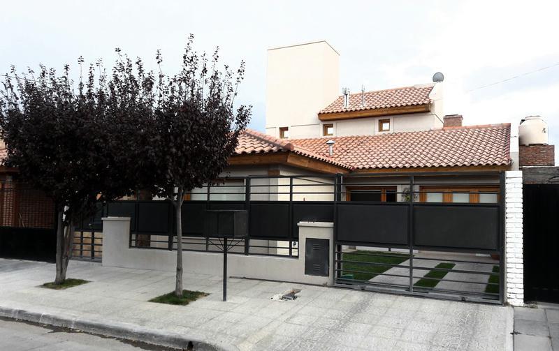Foto Casa en Venta en  Trelew ,  Chubut  Teniente Garcia 389