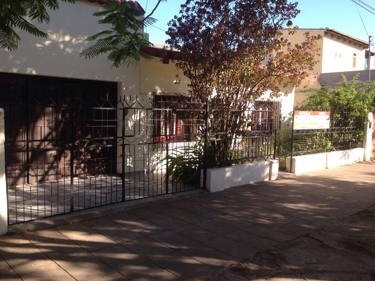 Foto Casa en Venta en  Centro,  Presidencia Roque Saenz Peña  Hipolito Irigoyen al 1100