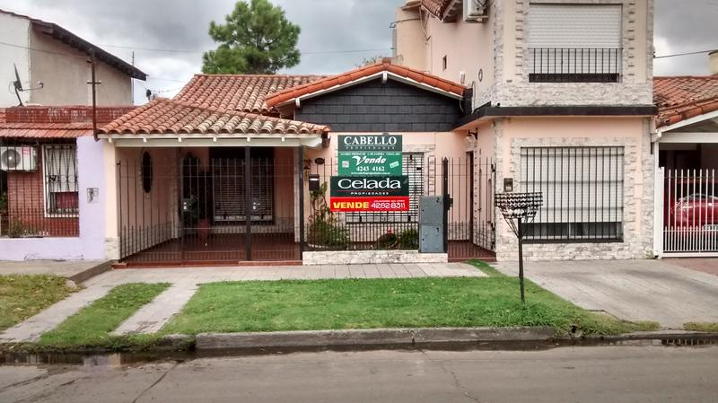 Foto Casa en Venta |  en  Lomas de Zamora Oeste,  Lomas De Zamora  SIRITO al 500