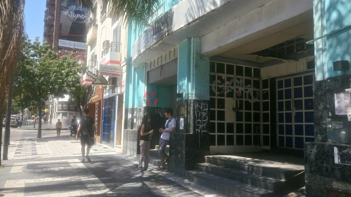 Foto Local en Alquiler en  Nueva Cordoba,  Capital  AV.IRIGOYEN HIPOLITO al 200
