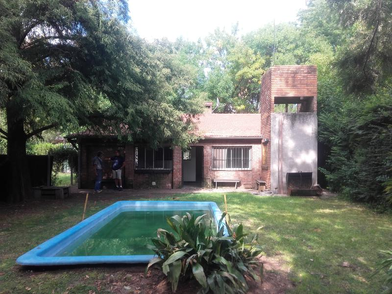 Foto Casa en Venta en  Barrio Parque Leloir,  Ituzaingo  Lopez Buchardo al 4000