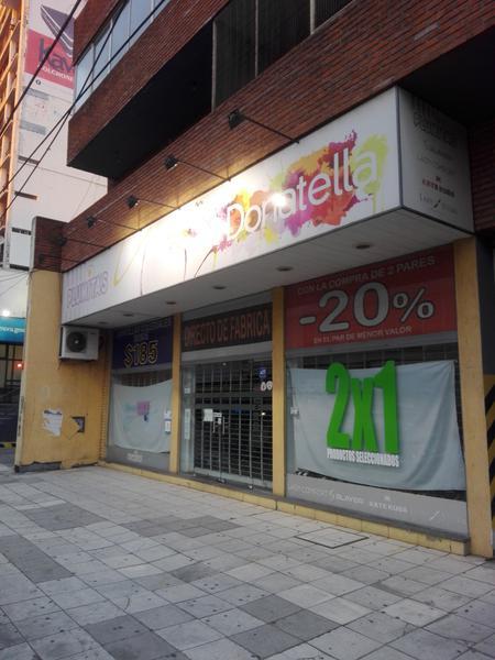 Foto Local en Alquiler en  Lomas de Zamora Oeste,  Lomas De Zamora  Hipolito Yrigoyen 8325/27/29