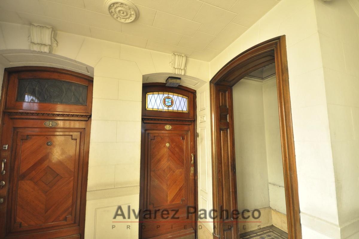 Foto Departamento en Venta en  Tribunales,  Centro  URUGUAY N° al 100