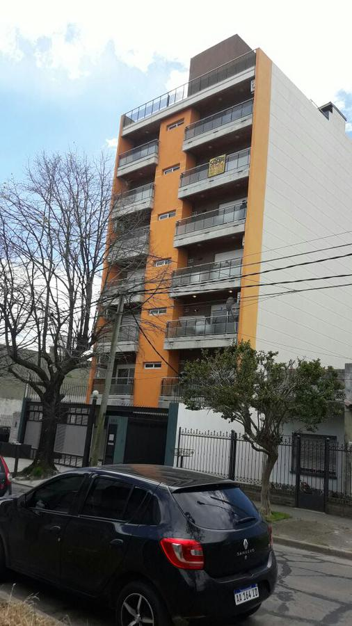 Foto Departamento en Venta en  Martin Coronado,  Tres De Febrero  Remedios de Escalada de San Martin  al 6900