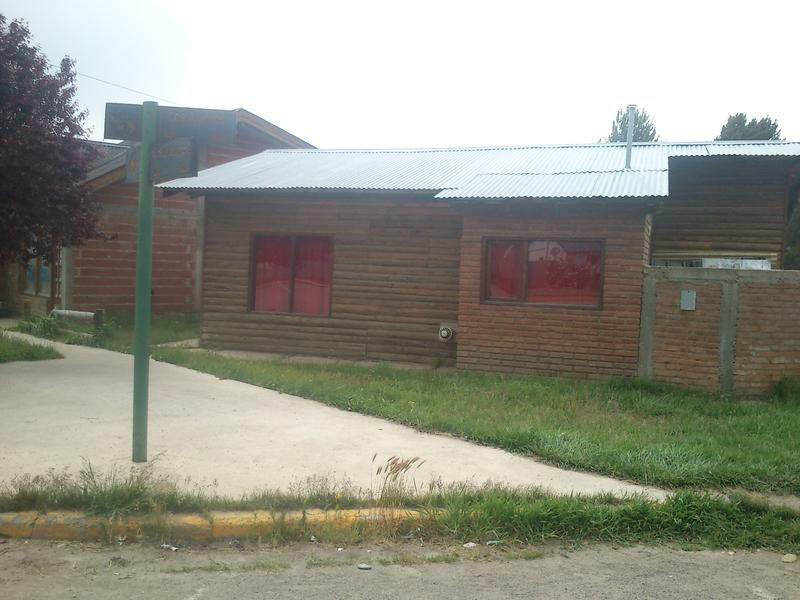 Foto Local en Venta en  Cholila,  Cushamen  Locales sobre avenida principal 15 de Diciembre, Cholila