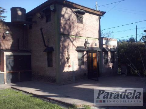 Foto Casa en Alquiler en  Barrio Parque Leloir,  Ituzaingo  thames