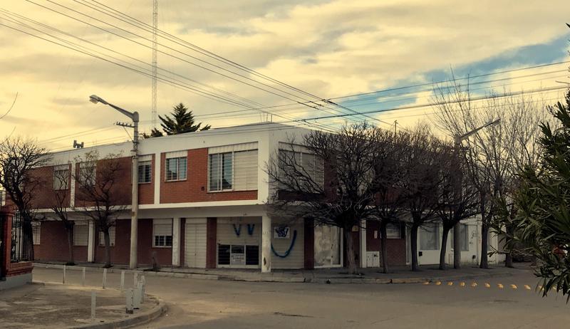 Foto Edificio Comercial en Venta en  Trelew ,  Chubut  Belgrano esquina Rondeau