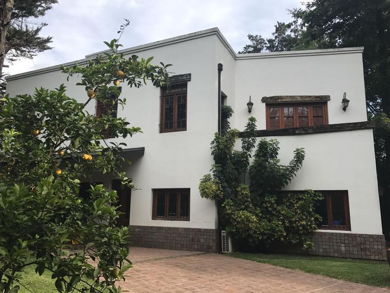 Foto Casa en Venta en  Barrio Parque Leloir,  Ituzaingo  De los Baqueanos al 900