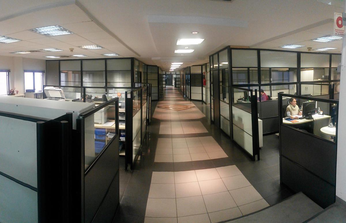 Foto Oficina en Alquiler en  Villa Lynch,  General San Martin  Indalesio Gomez al 3900