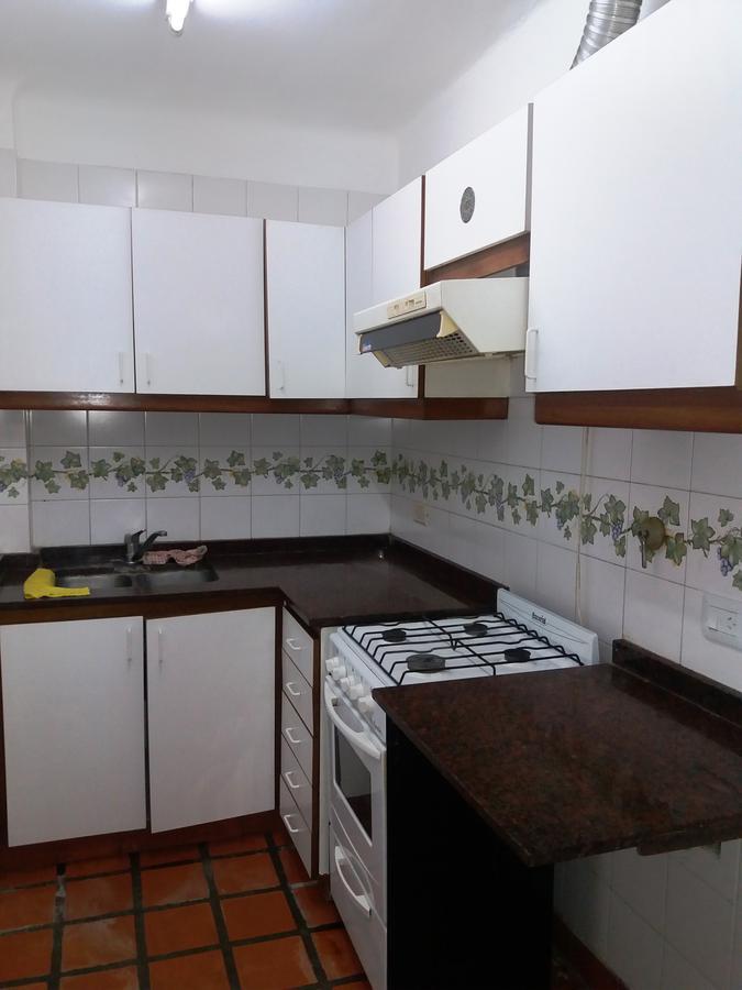 Foto Departamento en Venta en  Castelar,  Moron  Av. Rivadavia 19900 entre Arias y Mercedes