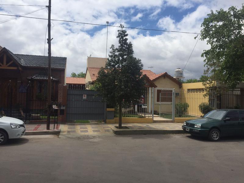Foto Casa en Venta en  Capital ,  San Juan  República Arabe Unida al 900