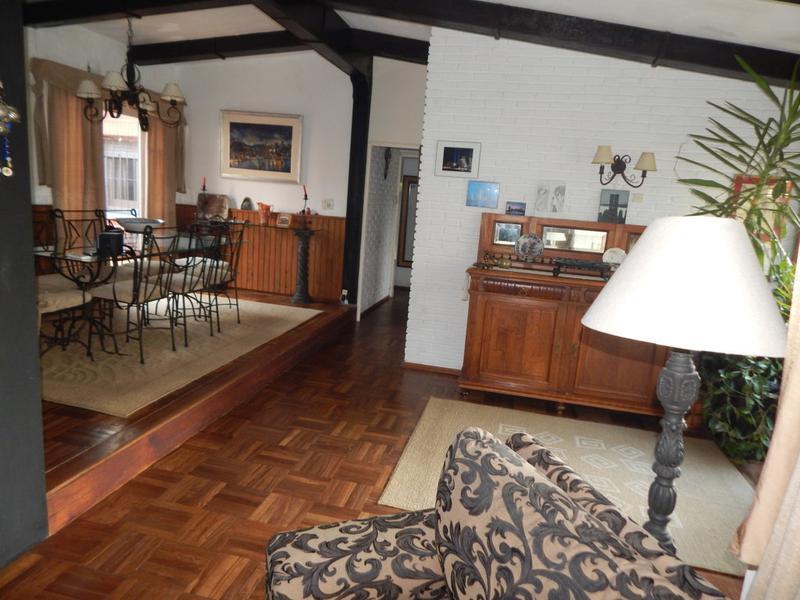 Foto Casa en Venta en  Marconi ,  Montevideo  Marconi