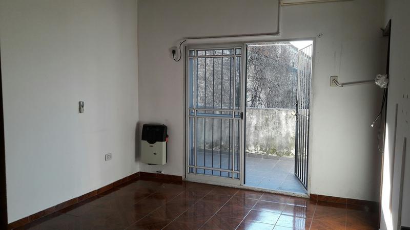 Foto Departamento en Alquiler en  Piñeyro,  Avellaneda  BRASIL  1133 P:A: