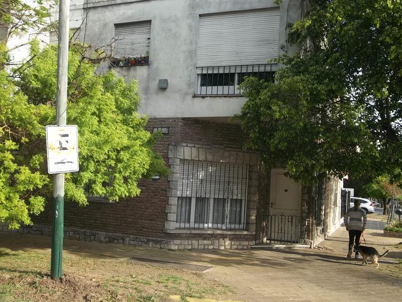 Foto Casa en Venta |  en  Lomas De Zamora,  Lomas De Zamora  ALEM al 599