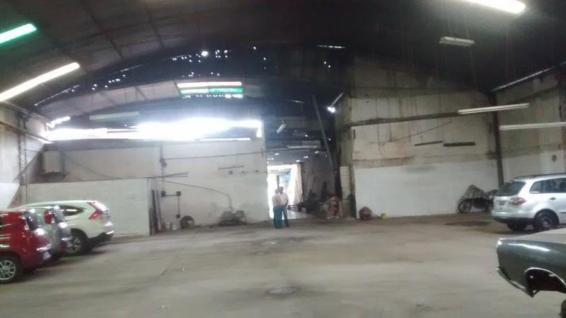 Foto Depósito en Alquiler |  en  Capital ,  Tucumán  Av. Mitre al 200