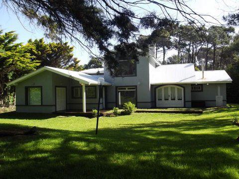 Foto Casa en Alquiler en  Carilo,  Pinamar  MIMBRE entre AVUTARDA y AVESTRUZ