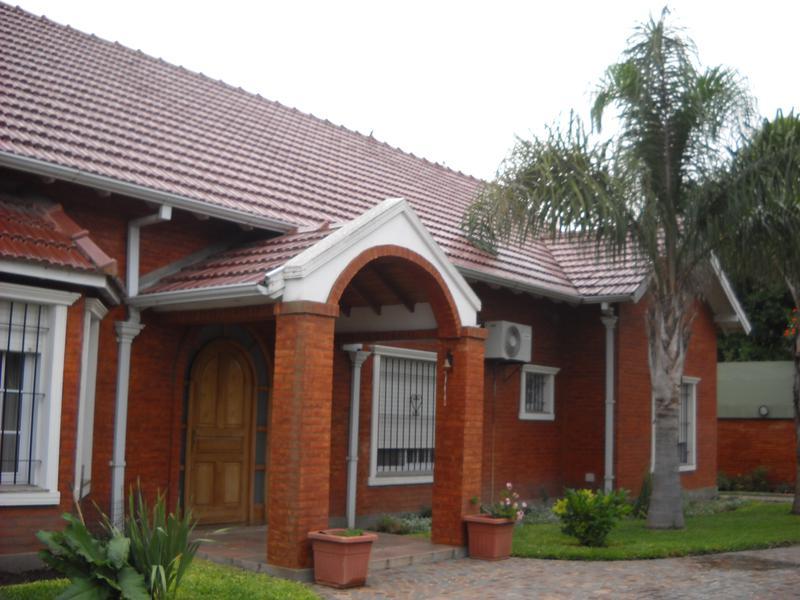 Foto Casa en Venta en  Los Cardales,  Exaltacion De La Cruz  Urquiza 173 Importante casa céntrica