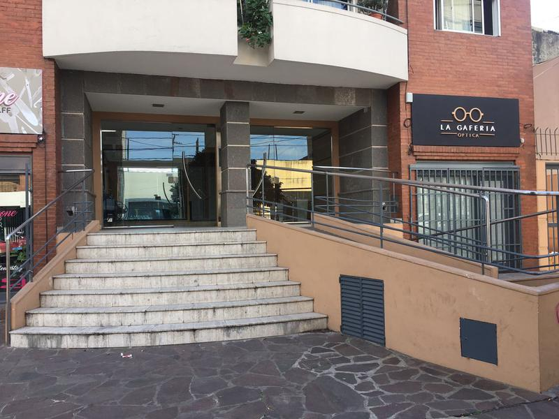 Foto Departamento en Alquiler en  Lomas de Zamora Oeste,  Lomas De Zamora  LAPRIDA al 700