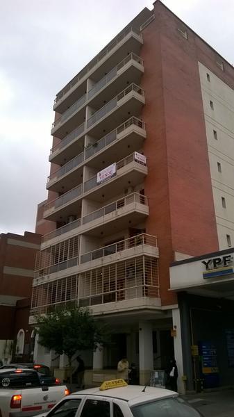 Foto Cochera en Venta |  en  Barrio Norte,  San Miguel De Tucumán  Junin al 400
