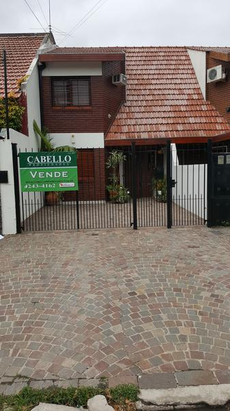 Foto Casa en Venta |  en  Lomas de Zamora Oeste,  Lomas De Zamora  POSADAS al 1200