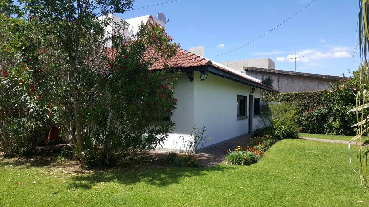 Foto Casa en Alquiler en  City Bell,  La Plata  461D e/ 14C y 15