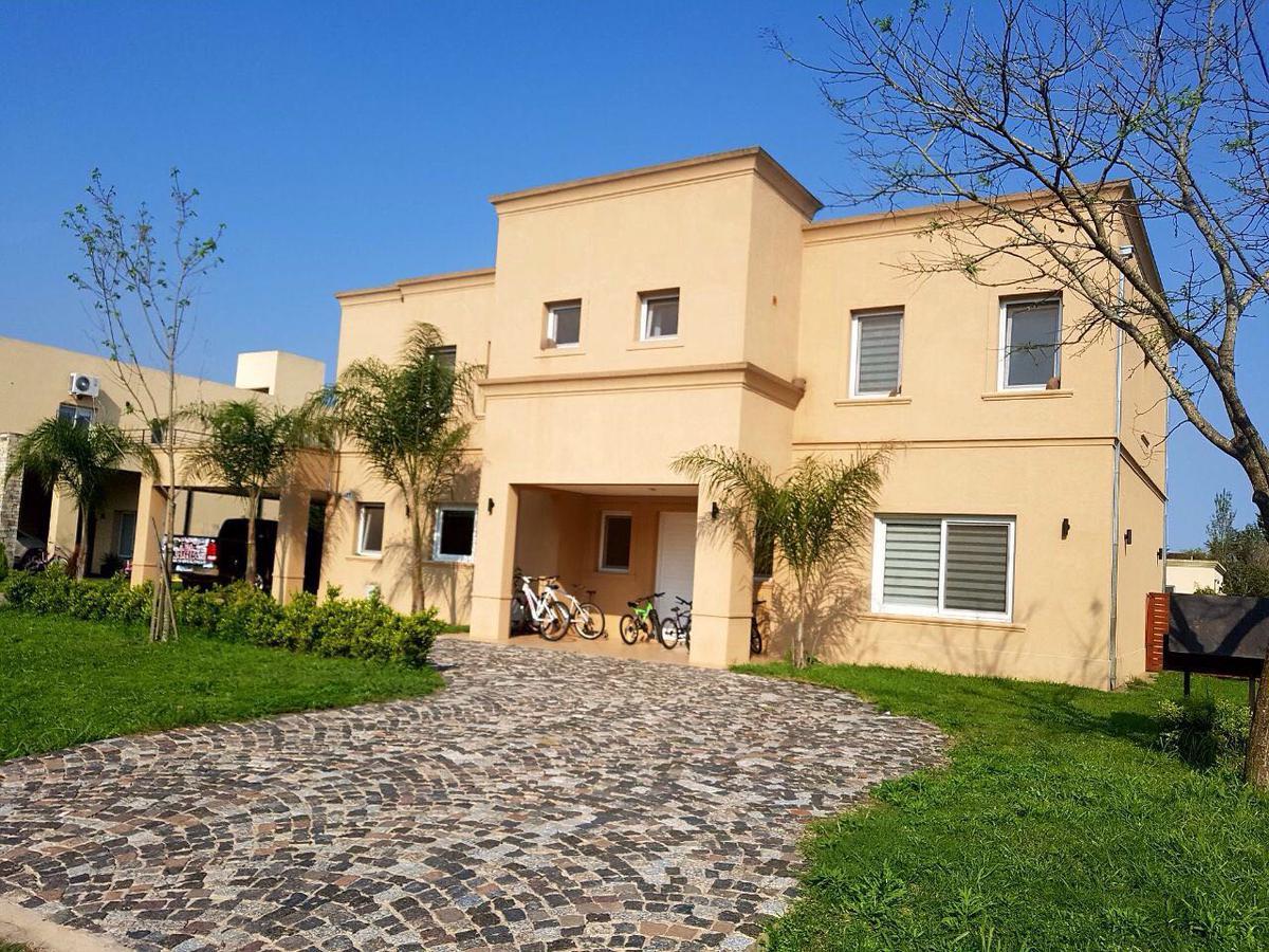 Foto Casa en Alquiler en  Santa Ana,  Countries/B.Cerrado  Santa Ana lote 17