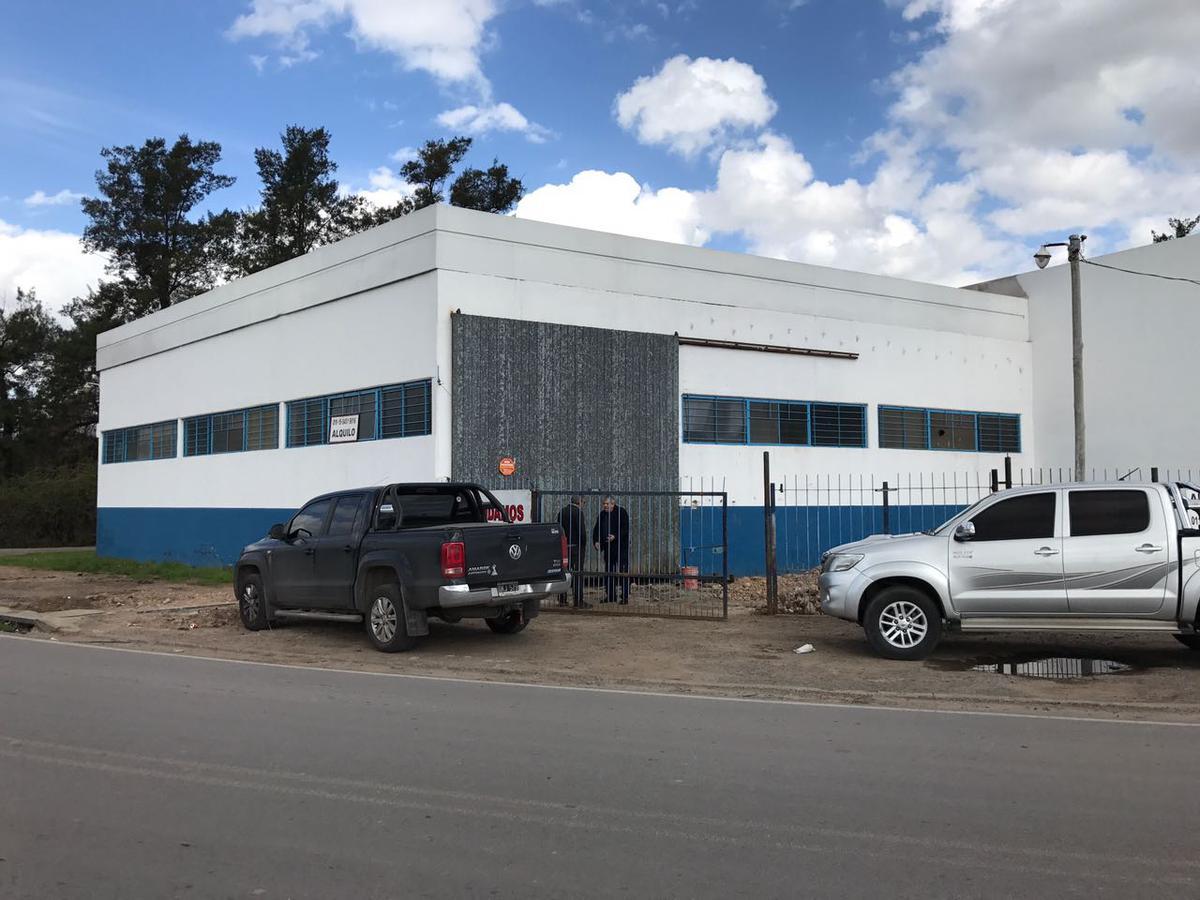 Foto Depósito en Alquiler en  General Rodriguez ,  G.B.A. Zona Oeste  Acceso Oeste Colectora Sur esquina Ruta 28