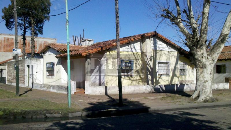 Foto Casa en Venta en  Banfield Este,  Banfield  Peña 1799