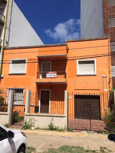 Foto Casa en Venta en  Parque Batlle ,  Montevideo  Excelente zona, con buen retiro, sobre Av. Ponce