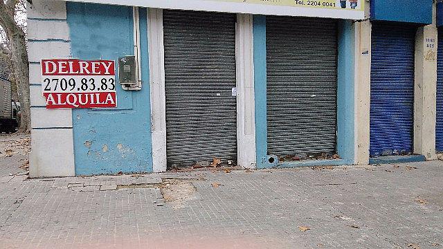Foto Local en Alquiler en  Villa Muñoz ,  Montevideo  Domingo Aramburu y Democracia