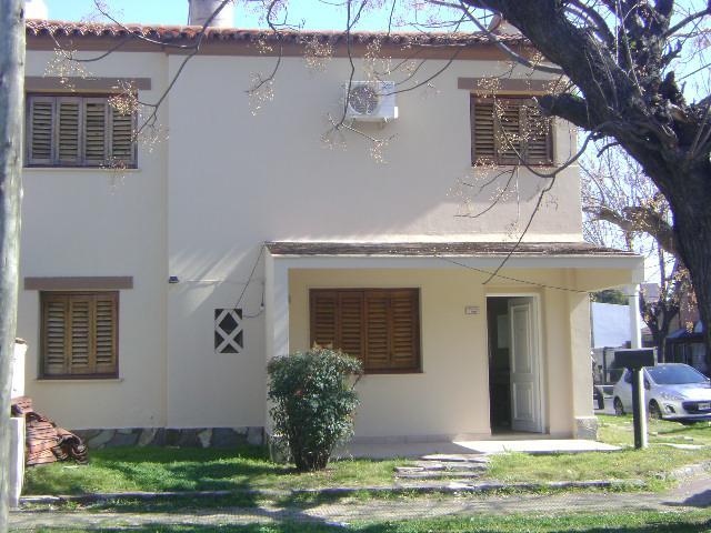 Oyhanarte casa en venta en castelar chivilcoy entre for Arredando casa