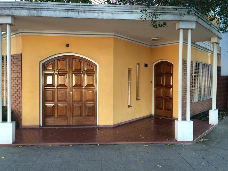 Foto Casa en Venta en  Banfield,  Lomas De Zamora  ESTANZUELA DEL REY 1902, esq. Gabriela Mistral