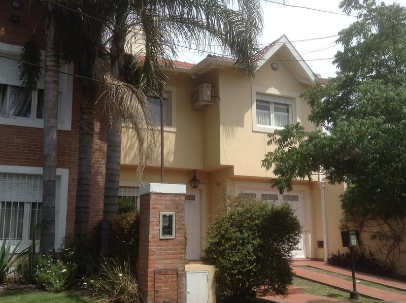 Foto Casa en Venta en  Adrogue,  Almirante Brown  J. DE LA PEÑA 1038