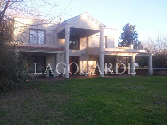 Foto Casa en Venta en  Campana ,  G.B.A. Zona Norte  EL LAZO entre LOS GAUCHOS y