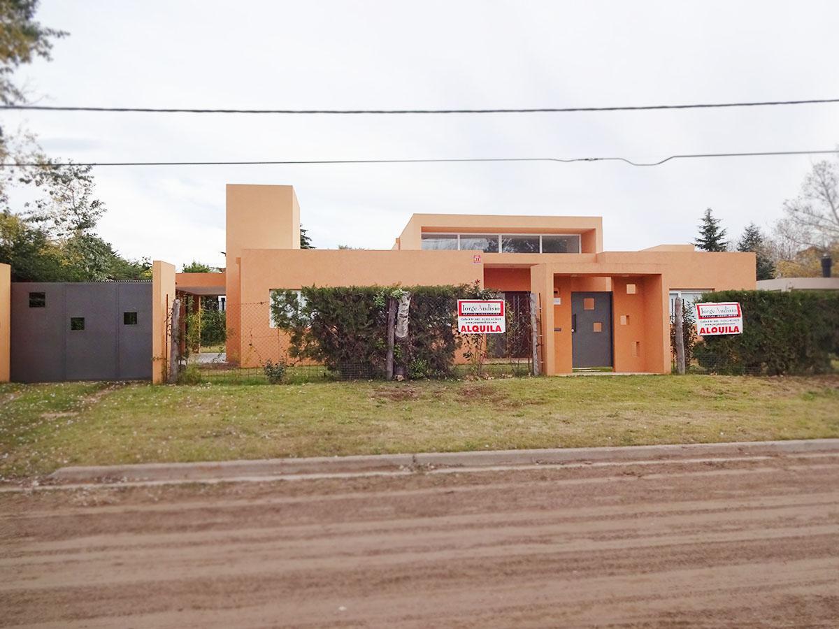Foto Casa en Alquiler en  Norte,  General Pico  20 e/ 121 y 123