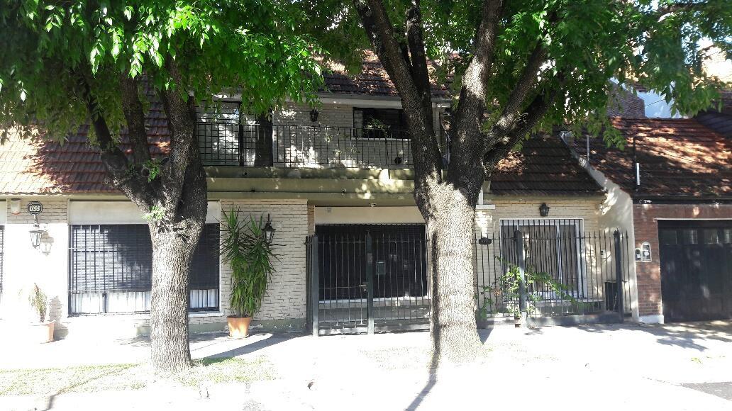 Foto Casa en Venta en  La Lucila-Vias/Libert.,  La Lucila  Mansilla al 3900