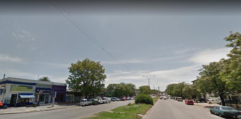 Foto Local en Alquiler en  Brazo Oriental ,  Montevideo  GRAL FLORES  Y SERRATO