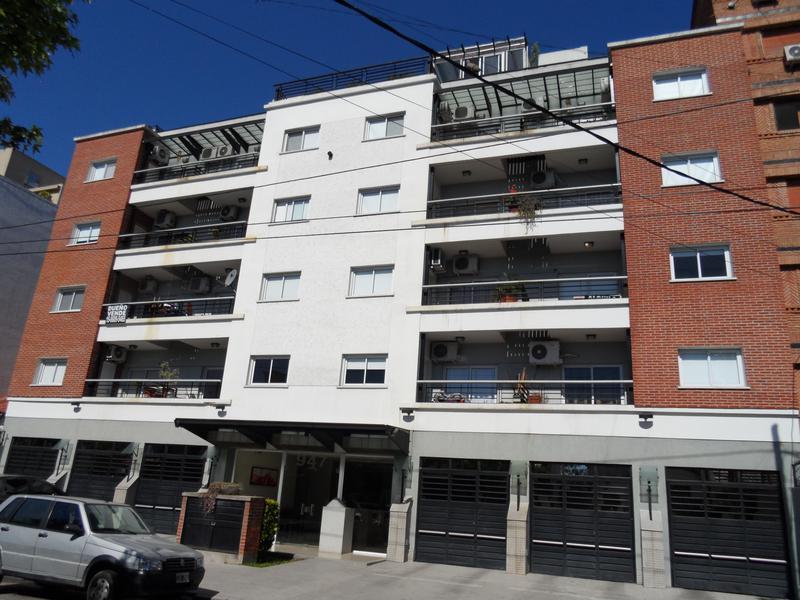 Foto Departamento en Venta en  Castelar Norte,  Castelar  San Pedro al 900