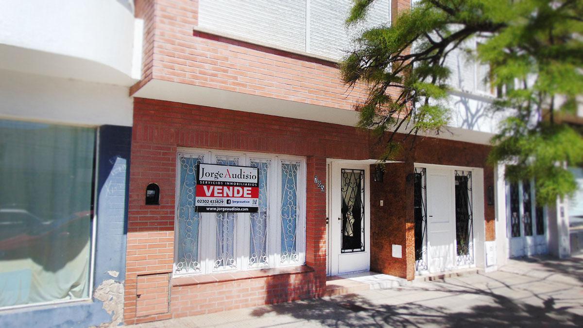 Foto Departamento en Venta en  Centro,  General Pico  Av. casi esq 17