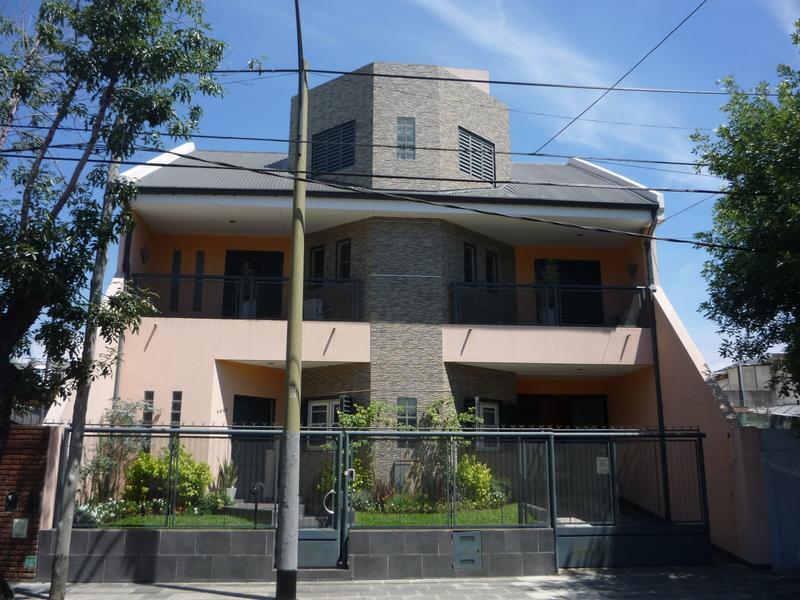 Foto Casa en Venta en  Saavedra ,  Capital Federal  PEREZ ROQUE al 4800 entre VEDIA y PICO