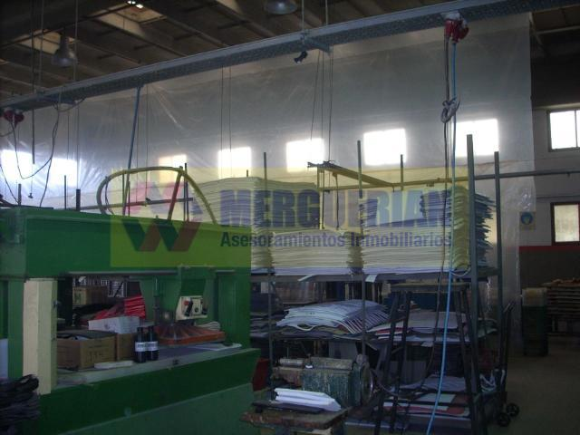 Foto Nave Industrial en Venta en  Cordoba Capital ,  Cordoba  AV. JUSTO JUAN B. 7 1/2
