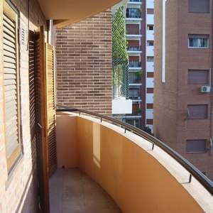 Foto Departamento en Alquiler |  en  Lomas de Zamora Oeste,  Lomas De Zamora  Italia al 300