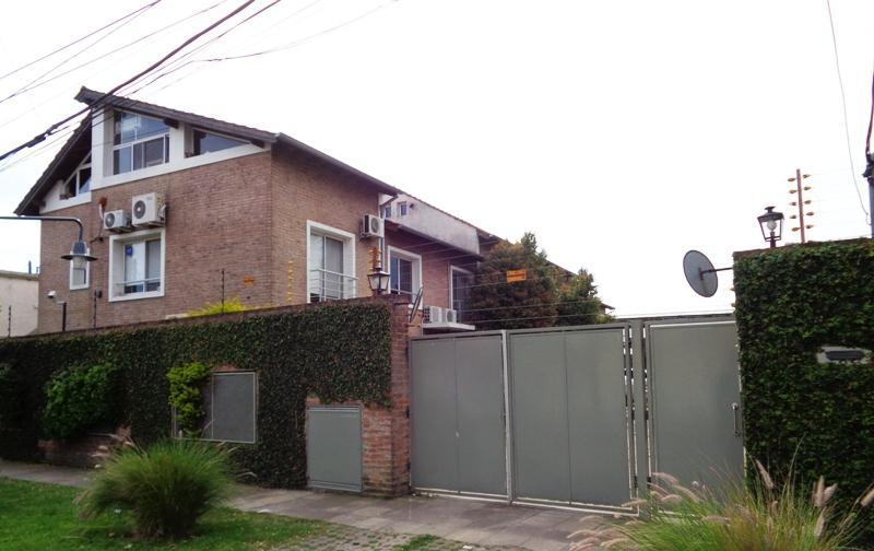 Foto Casa en Venta en  Villa Adelina,  San Isidro  Drago, Luis María al 500