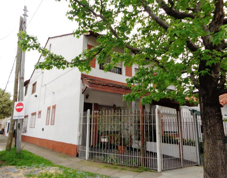 Foto Casa en Venta en  Carapachay,  Vicente Lopez  Cajaraville al 3300