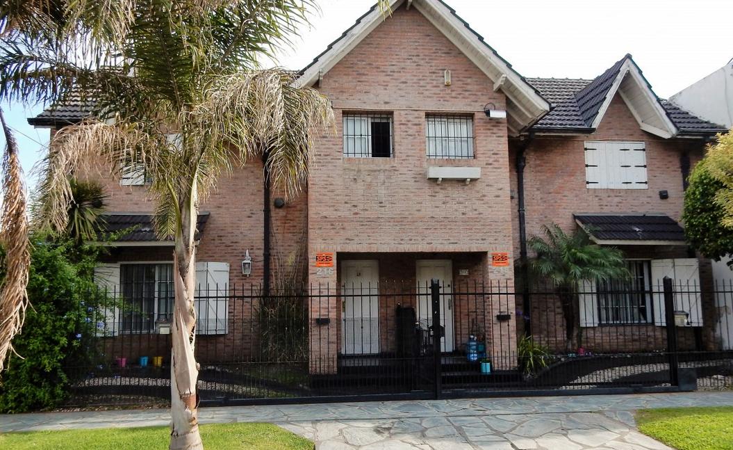 Foto Casa en Venta en  Ituzaingó ,  G.B.A. Zona Oeste  CHILAVERT, MARTINIANO, CNEL. entre ATACAMA y COLONIA