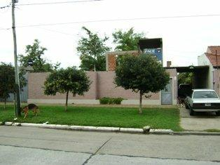 Foto Casa en Venta |  en  Lomas de Zamora Oeste,  Lomas De Zamora  Boedo 2338