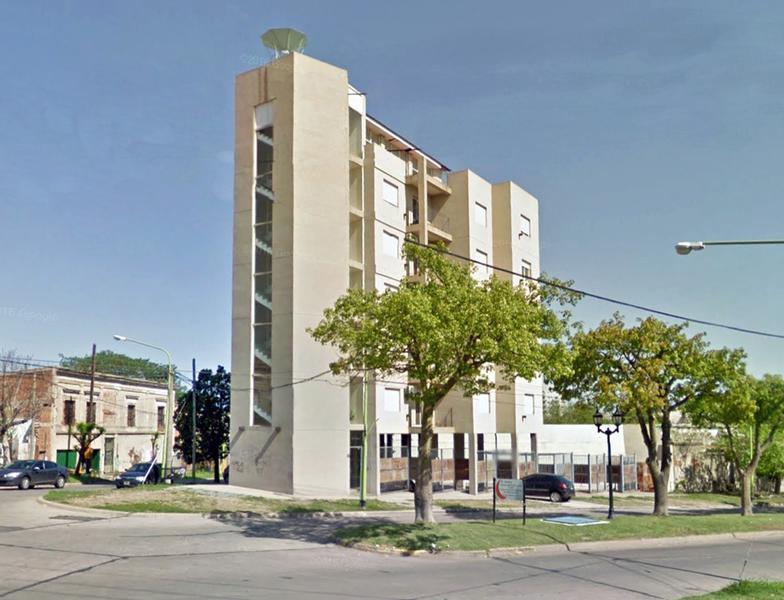 Foto Departamento en Venta en  Campana ,  G.B.A. Zona Norte  Lavalle y Colón al 200 Edificio El  Faro