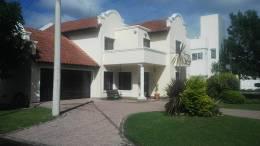 Foto Casa en Venta en  Tejas del Sur,  Cordoba  Av Valparaiso al 4000